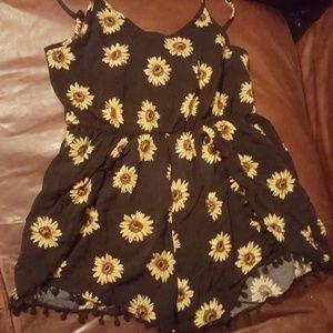 Adorable sunflower romper!